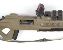 Pair of rifles from Space: Above and Beyond