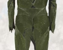 Male Atavus alien suit from Earth: Final Conflict