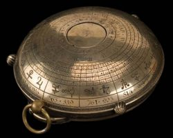 Alethiometer prop w/ closed case – Golden Compass