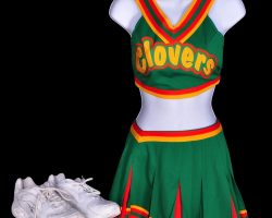 "Shamari Fears ""Lava"" cheerleader outfit from Bring It On"