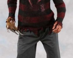 Freddy Krueger costume display – Freddy vs. Jason