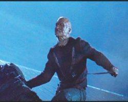 Freddy Krueger costume display – Freddy vs. Jason