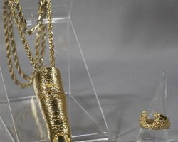 BABY DRIVER BATS JAMIE FOXX SCREEN USED GOLD FINGER NECKLACE & RING
