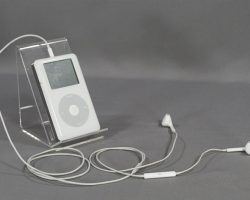 BABY DRIVER BABY ANSEL ELGORT SCREEN USED WHITE IPOD