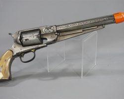 THE DARK TOWER ROLAND IDRIS ELBA SCREEN USED PROP HARD RUBBER RIGID GUN