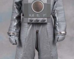 Dr. Evil & Mini Me spacesuits from Austin Powers