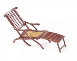 Miniature deck chair & bench from Titanic
