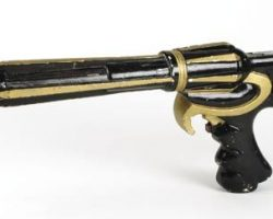 Working palace guard rifle from Flash Gordon