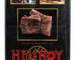 Hellboys (Ron Perlman) Glove Display