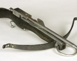 Julia Ormond stunt crossbow from First Knight