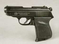 Julian Glover prop pistol – Indiana Jones Last Crusade