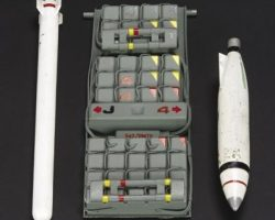USS Sulaco bay door & missile miniatures from Aliens
