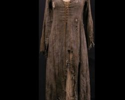 Guinevere (Keira Knightley) Distressed Dress from King Arthur