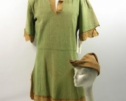Adventures of Robin Hood (1938)Costume Cap and Tunic