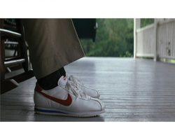 "Tom Hanks ""Forrest"" Nike running shoes from Forrest Gump"