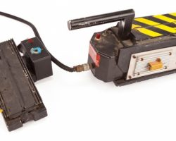 Ghost Busters Hero Ghost Trap With Foot-Control Actuator