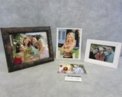 Desperate Housewives Edie And Susan Rivalry & Autographed Edie Photo Prop Set
