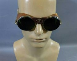 Warehouse 13 Artie Nielsen Saul Rubinek Production Used Goggle Set