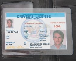Saw – Dr. Gordons Wallet and Drivers License
