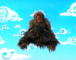 Tenacious D in The Pick of Destiny – JBs Sasquatch Costume (Jack Black)