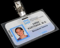 No Strings Attached – Emma Kurtzmans Medical ID (Natalie Portman)